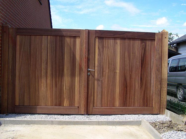 20170919113111 portail en bois exotique for Portail de jardin en bois